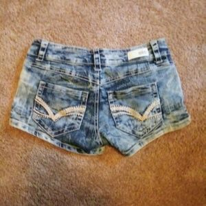 Almost famous short jean shorts sz 0